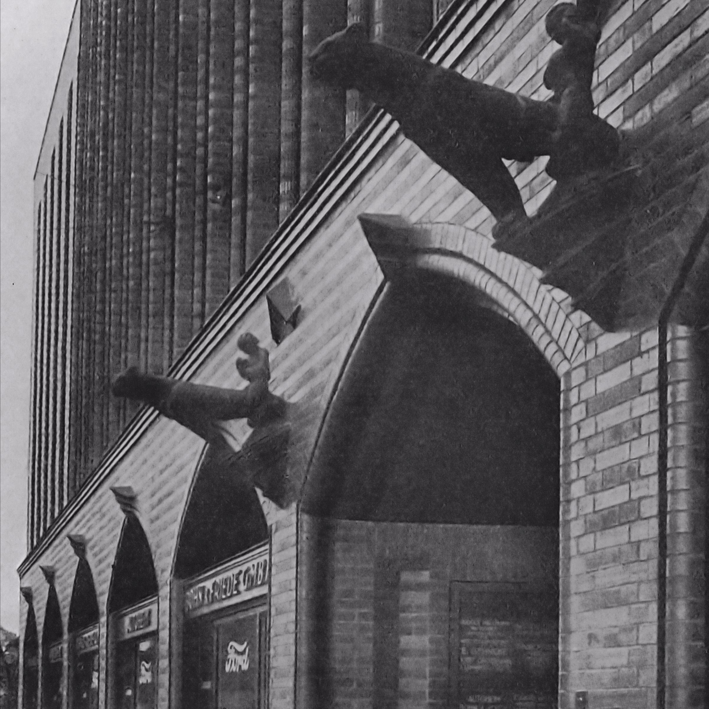 LÜBECK Travehaus, 1924, Architekten Zauleck & Hormann, Baukeramik aus Velten